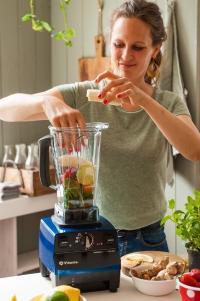 Vitamix Pro 500 mit Smoothie-Zutaten